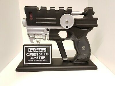 korben dallas fifth element blaster HCG prop replica limited edition 0459/1000