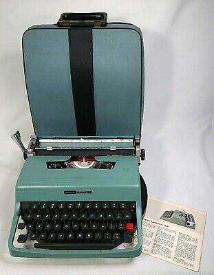 Vintage Olivetti Lettera 32 Typewriter w Case & Instruction Card Made in Italy