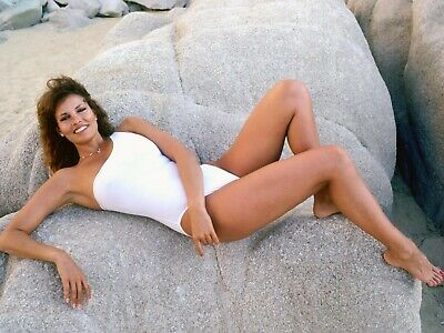 Raquel Welch 8X10 Glossy Photo Picture Image #8