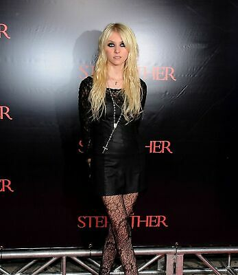 Taylor Momsen 8X10 Glossy Photo Picture Image #2