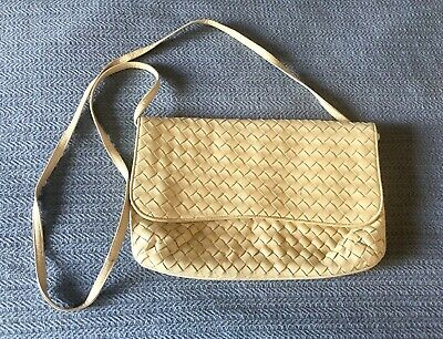 3f8c9ce18 GUCCI PURSE MADE In Italy Purse White & Black Leather - $74.99 ...