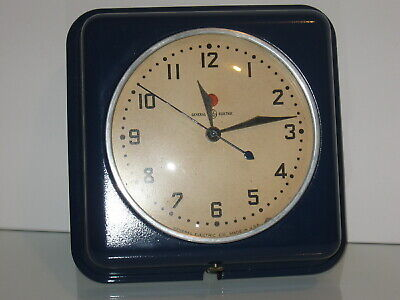 "Vintage G E Electric Metal Wall Clock Model 2H08 Working 5 1/4"" Diameter"