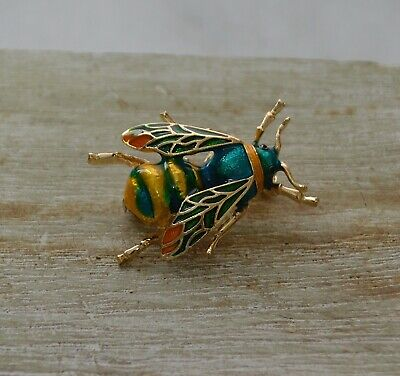 Vintage Style Realistic Bumble Bee Insect Enamel Badge Lapel Pin Stick Brooch