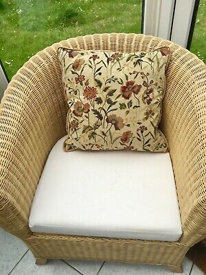 JONELLE Vintage Floral Country House Tapestry Look Plump feather Cushion ExcCond