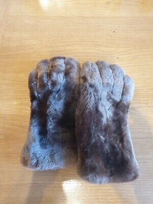 Vintage DENTS Ladies Fur And Burgandy Leather Gloves Size 6?
