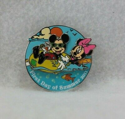 Disney Parks Pin LE 1000 First Day of Summer 2011 Mickey Minnie Mouse