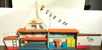 Vintage 1974 BARBIE DREAM BOAT Playset & Storage Boat Folds Chris Craft
