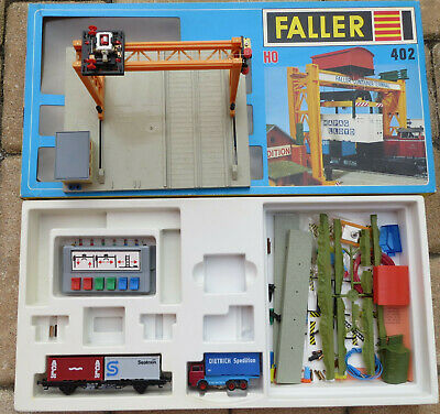 Faller AMS  402 -- Container Terminal in OVP, teilweise gebaut