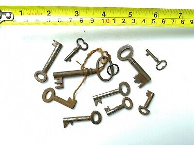 10 x Old Antique Vintage Keys Collector, Small, uncleaned Steampunk #0318