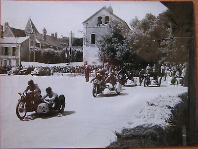 313 . Motos Courses . 1 X Photo . 1953 . Format : 18 X 24 Cm .