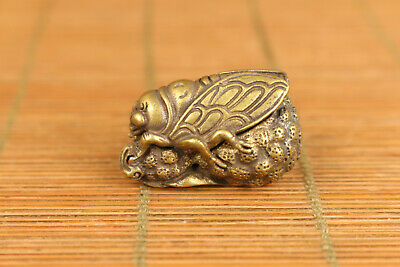 Asain old bronze hand carving cicada figure statue netsuke noble gift