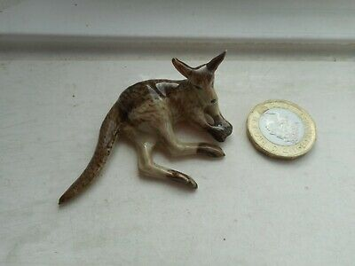 Kangaroo - Pottery -  Beautiful Resting Grey/Fawn Kangaroo Miniature
