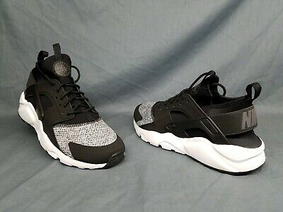 Nike Air Huarache Run Ultra SE (GS) Athletic Sneakers Black Boys Size 5.5 NEW!