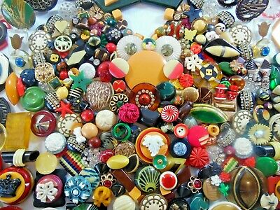 Antique/Vintage Buttons: Bakelites,Wafers,Celluloid,Goofies,Tight Tops,Catalins,