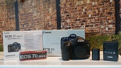 Canon EOS 7D 18.0MP Digital SLR Camera - Black (Body only) USED