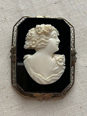 Antique Edwardian 14K Filigree Gold & Hard Stone Banded Agate Onyx Cameo Brooch