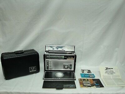 Vintage Zenith TransOceanic Royal D-7000Y 11-Band Solid State Radio
