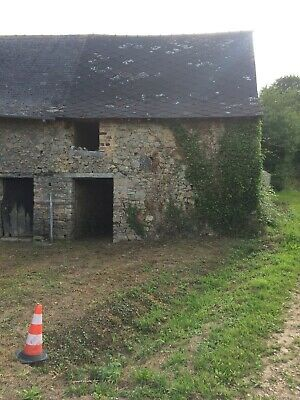 Single room stone house in S. Brittany Teillay France.