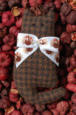 Primitive Fall Thanksgiving Brown Hounds Tooth Wool Cat Ornie w Turkey Print Bow