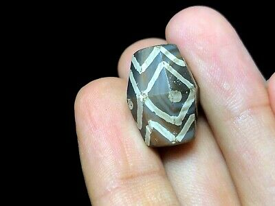 Amazing Large Pumtek Bead Diamond Eye Etched PYU Agate Pyramid Amulet Pendant