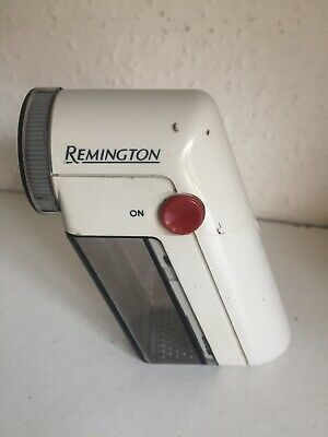 Remington Fuzz-Away Clothes Shaver Cleaner Gets Rid Bobbles From Clothes - USED