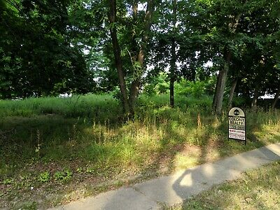 Building Lot for Sale in Greenport, N.Y.