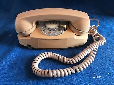 Vintage 1960s Bell Systems Western Electric Princess Beige Rotary Dial Telephone