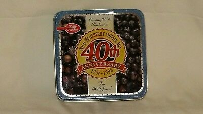 Betty Crocker's Wild Blueberry Muffin Mix 40th Anniversary Tin - 1998 - VG