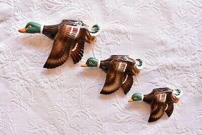VINTAGE FLYING WALL HANGING DUCKS . c1950s RETRO DECO