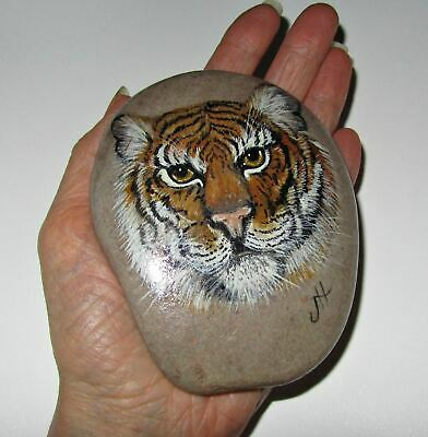 Large Bengal Tiger Hand Painted Stone Pebble Rock Paperweight Decoration