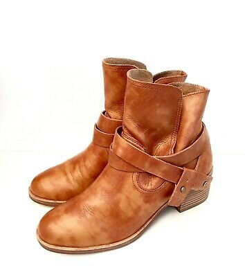 9318f24819f UGG ELORA LEATHER Chestnut Ankle Heel Boots Booties Size Us 8.5 ...
