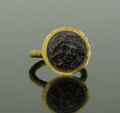 STUNNING ANCIENT ROMAN GOLD & GARNET MEDUSA RING - 2nd Century AD