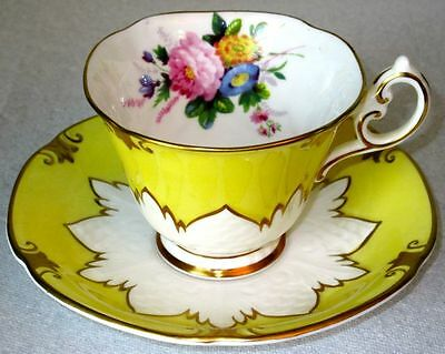 Paragon Exquisite Yellow Gold Summer Flowers A2255 Fine Bone China Cup & Saucer