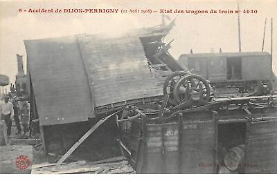 21.DIJON . n° 54713.Accident de dijon perrigny.etat des wagons du train