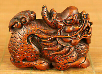 Chinese old boxwood hand carved dragon statue netsuke table home collectable