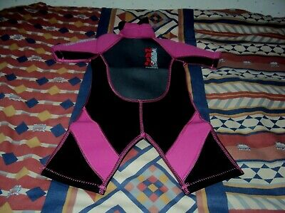 "Wave Wear  Nalu  Childrens  Shorty Wetsuit  20"" Chest  Black/Pink/Grey"