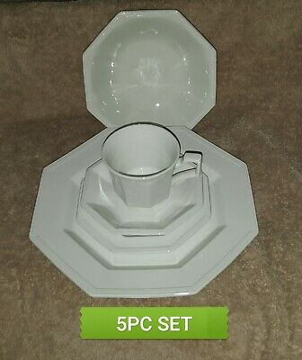 JOHNSON BROTHERS china HERITAGE WHITE Made in England 5-piece Place Setting Mint