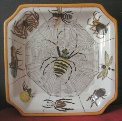 Vintage Chinese Hand Painted Dish / Bowl with Insects 4 Character Mark on Base