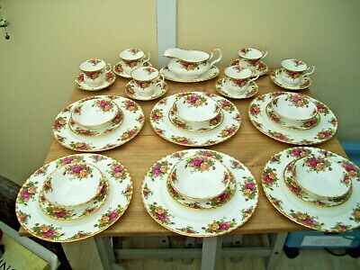 Royal Albert Old Country Roses Dinner Service for six pristine