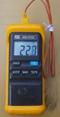 RS Pro Digital Thermocouple Thermometer with Probe