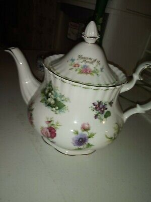 Royal Albert Flower of the Month Teapot -MINT Condition! 1st Quality! 6 Cup