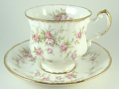 Paragon VICTORIANA ROSE Tea Cup & Saucer Bone China England Vintage Excellent