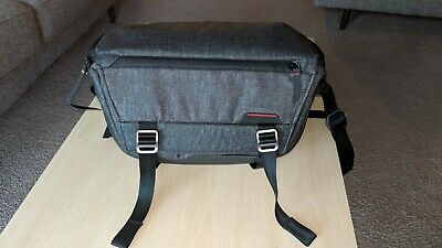 Peak Design Everyday Sling 10L - Charcoal - Excellent Condition