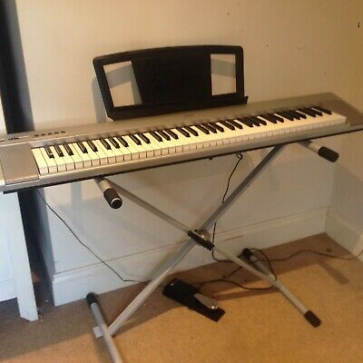 Yamaha Portable Grand silver NP-30 Digital Keyboard