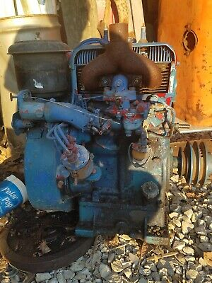 Wisconsin Model Thd side shaft Twin Cylinder  Air Cooled Electric Start Engine