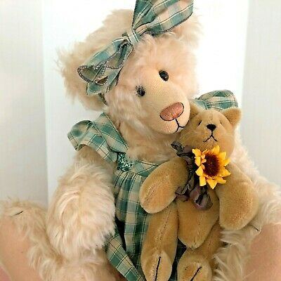 """Jackie"" mohair bear w/cat, Mary Wurster, jointed w/tag mint"