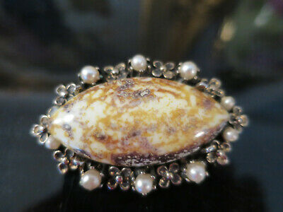 Lovely vintage moss glass and faux pearl brooch, 1950's