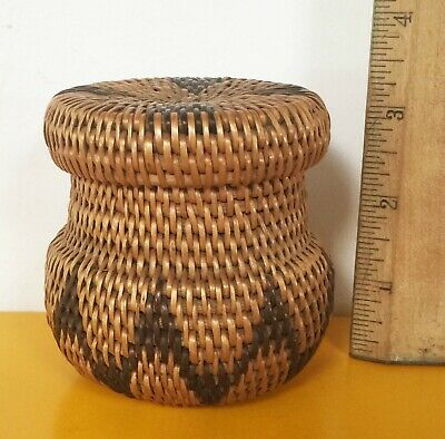 Old Native American Indian Washoe Or Pomo Lidded Basket Single Rod Construction