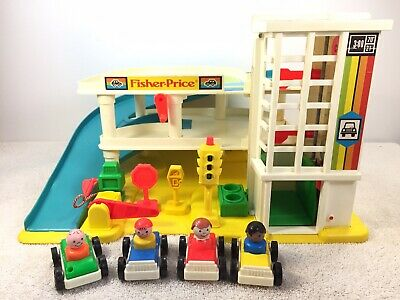 Vintage Fisher Price Play Family Little People Garage #2504 1987-1990 read descr