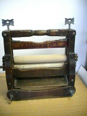 Antique Lovell Manufacturing Brighton No. 582S Clothing Laundry Wringer